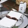 Detalhe da mesa: prendedores de guardanapos